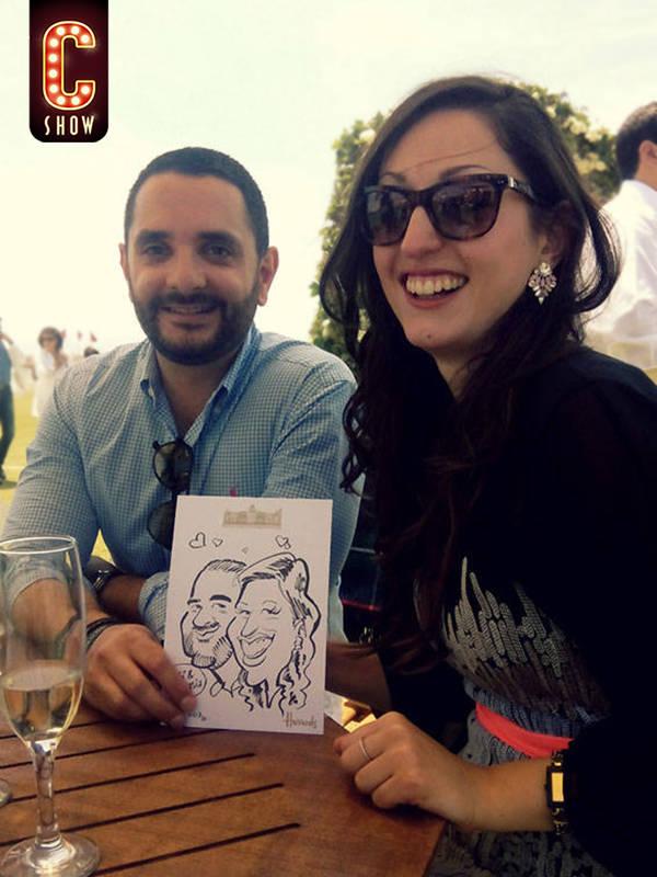 caricatura durante boda de lujo