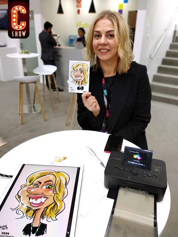 Caricaturista en iPad en feria