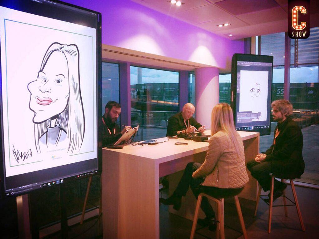 Caricaturistas en evento de creación digital